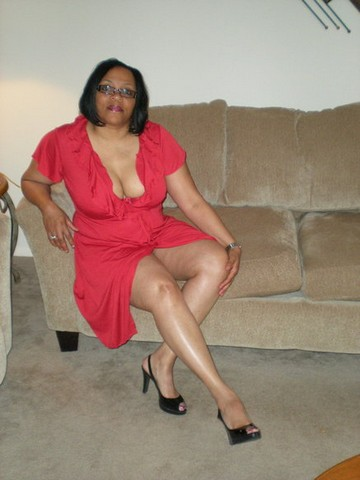 Mature woman and guy 33